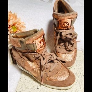 ⭐️Michael Kors High Top sneakers RARE!